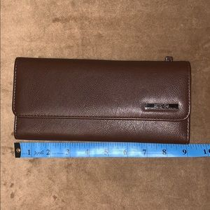 NWOT Kenneth Cole Reaction clutch/wallet